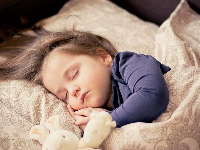 Consigli per il sonno dei ragazzi dai 6 ai 12 anni