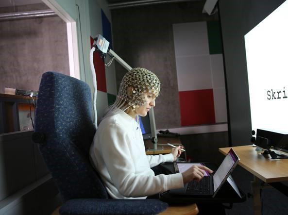 Microsoft: la penna batte la tastiera, se scrivi a mano impari di più