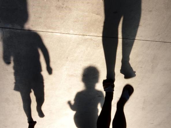 Violenze e social, ecco la società senza veri genitori